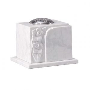 EC279 White Marble with carved daffodil