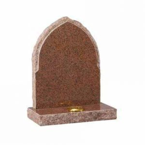 EC63-Balmoral-Red-granite-with-pointed-top-and-pitches-sides-thornhill-memorials